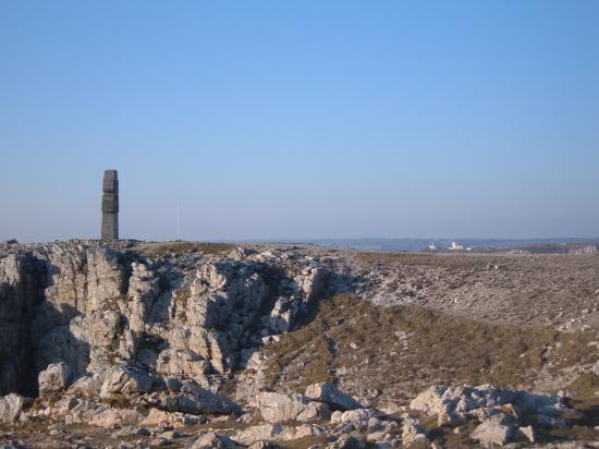 Le monument aux mort(pointe de Pen Hir)