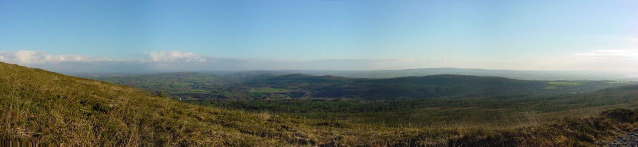 panoramique vue du menez hom